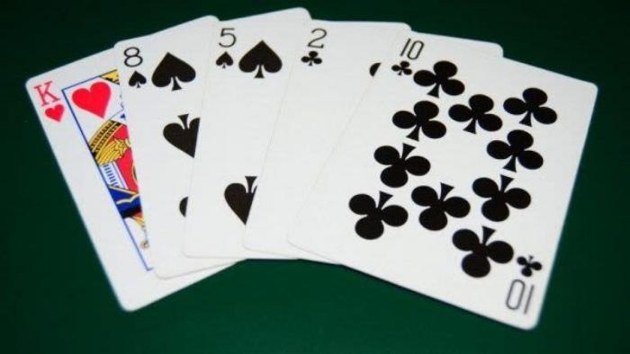 Tính toán hợp lý khi chơi bài phỏm là điều thực sự cần thiết đối với bất kỳ ai