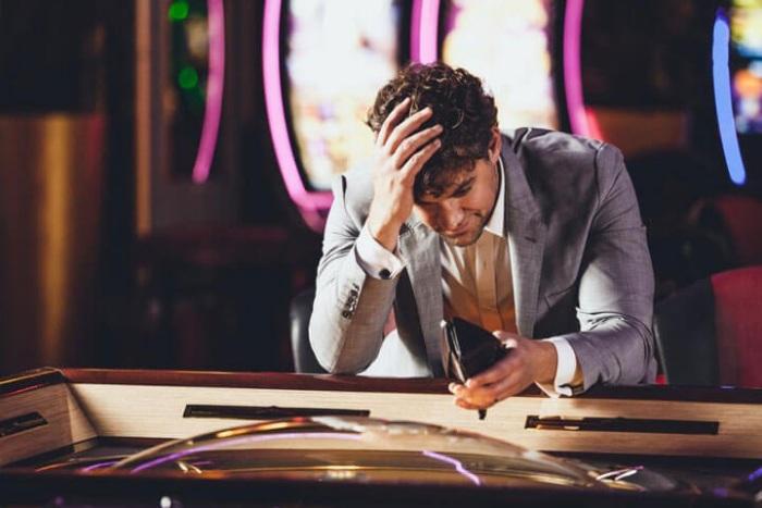 Thua cờ bạc cần phải làm gì?