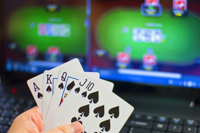 Trường hợp bạn không đủ điều kiện kinh tế để trở thành một chủ nhà cái thì có thể làm cò trung gian kết nối giữa người chơi với nhà cái
