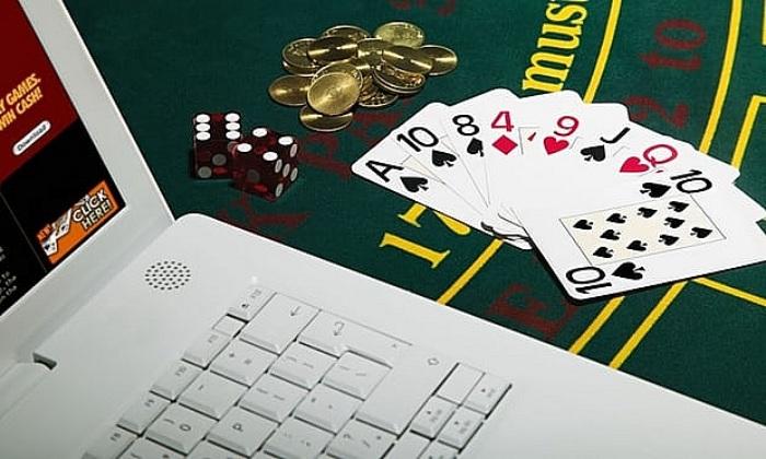 Bạn nên biết cờ bạc là một trò may rủi vì vậy không được ham mê quá đà